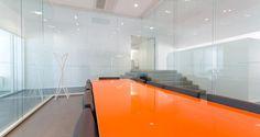 Sala de reuniões nos escritórios da Fovea em Paris, França