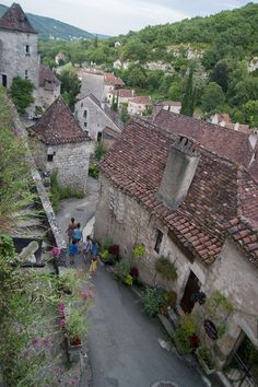 Las estrechas calles de Saint-Cirq-Lapopie son las que la hacen una de les Plus Beaux Villages de France.
