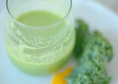 Green Smoothie with Mango...great detox drink for breakfast.