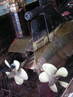 Delta III Podolsk in drydock June 2011 American Aircraft Carriers, Soviet Navy, Russian Submarine, Boat Propellers, Nuclear Submarine, Nuclear Power, Class Projects, Model Ships, Water Crafts