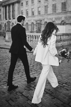 Pre Wedding Photoshoot, Wedding Pics, Wedding Shoot, Wedding Couples, Cute Couples, Wedding Styles, Dream Wedding, Courthouse Wedding Photos, Foto Wedding