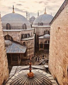 One of the coolest things about the Hagia Sophia is how many layers it has. Come explore!⠀ ⠀
