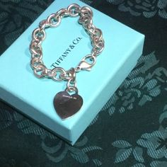 "❤️AUTHENTIC ORIGINAL STYLE HEART TIFFANY TAG .925 AUTHENTIC TIFFANY & COMPANY HEART TAG bracelet. 925 silver comes w  robin egg blue box. The links are smooth soldered not pinched, the lobster claw clasp is marked w/ 925 stamp. Please NO LOW BALLERS or be blocked, thank you  approx 7"" FINAL PRICE IS FIRM Tiffany & Co. Jewelry Bracelets"