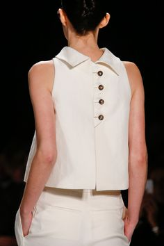 Carolina Herrera Spring 2014 RTW - Details - Fashion Week - Runway, Fashion Shows and Collections - Vogue Más Moda Fashion, New Fashion, Trendy Fashion, Runway Fashion, Vogue Fashion, Fashion Spring, Fashion 2017, London Fashion, Couture Fashion