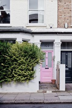 London Calling: 7 Ways to Add Curb Appeal with a Pink Front Door Attic Renovation, Attic Remodel, Turbulence Deco, Attic Rooms, Attic Bathroom, Interior Exterior, Interior Door, Nordic Interior, Exterior Design