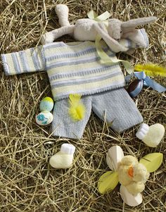 Book Special Peques 5 Autumn / Winter | 28: Baby Sweater | White / Light yellow / Light grey