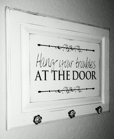 ⚜️Upcycling Hang your troubles at the door Rustic Decor in an Urban World Article Body: The world of Cabinet Door Crafts, Diy Cabinet Doors, Cupboard Doors Makeover, Do It Yourself Furniture, Old Cabinets, The Doors, Room Doors, Diy Door, Diy Signs