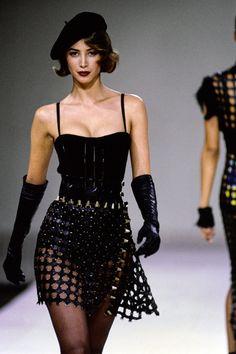Azzedine Alaïa Fall 1991 Ready-to-Wear Collection Photos - Vogue#99