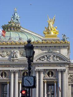 Opéra Garnier Paris French Architecture, Beautiful Architecture, Architecture Details, Neoclassical Architecture, Paris Opera House, Buckingham Palace, City Lights, Paris France, Great Places