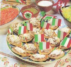 fiesta mexicana   Unos sencillos sopes con frijolitos y queso con sus banderitas de ...