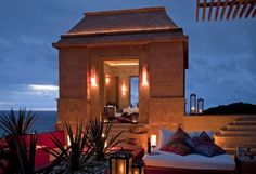 Watch amazing sunrise and sunsets from the Observatorio at the Imanta Resort in Mexico. Beautiful. Love the architecture and the evening light - looks so romantic!