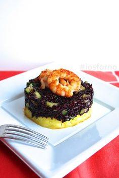 Riso venere con zucchine, gamberi e ananas I Love Food, Good Food, Yummy Food, Tasty, Risotto, Tartare Recipe, Carpaccio, Black Food, Aesthetic Food
