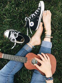 converse and ukulele Grace Vanderwaal, Instruments, Converse, Music Aesthetic, Aesthetic Girl, Aesthetic Grunge, Aesthetic Vintage, Foto Instagram, Instagram Ideas
