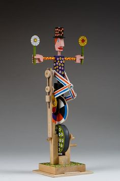 Automata by by Peter Markey / 30 cms high / 2006 Kinetic Toys, Kinetic Art, Wood Crafts, Diy Crafts, Simple Machines, Woodworking Toys, Assemblage Art, Wood Toys, Diy Toys