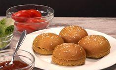 Hier finden Sie ein veganes Rezept für die Zubereitung von Urdinkel Burger-Brötchen. Gesund, mit einer weichen Konsistenz und süsslich-würzigem Geschmack.