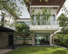 SIRI House in Bangkok by GLA Design Studio is part of Facade house - The building is more like their Life Gallery than the house Their lifestyle required space that exhibit their memories of traveling and their love of nature Modern Exterior, Interior Exterior, Interior Design, Facade Design, Patio Design, Residential Architecture, Architecture Design, Design Studio, House Design