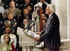 After 9/11, Billy Graham comforted the nation during a service at the Washington National Cathedral