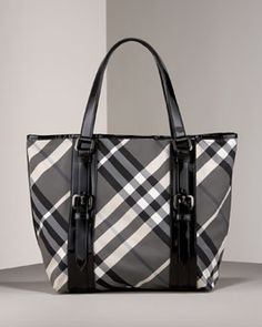 black and white burberry purse