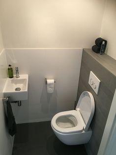 Modern toilet v&b