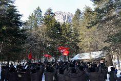 백두의 행군길을 억세게 이어가는 주체혁명위업의 계승자들(1)