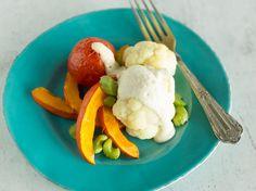 Sauce Hollandaise ganz ohne Butter und Ei? Na klar, geht das. Cashewkerne sorgen in dieser veganen Variante für eine cremige Textur und nussigen Geschmack.