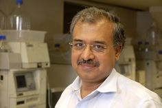 Indias Second Richest Person DILIP SHANGHVI biography - http://www.freakerlife.com/dilip-shanghvi-profile-biography-family/