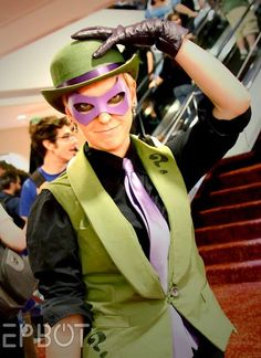 Female riddler but male outfit - waistcoat