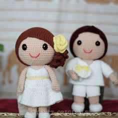 They connected with each other for the first time on a beautiful sunset. #weddingdolls #wedding #saplanetoriginals #crochet #handmade #amigurumi #decoration #gifts #beachwedding