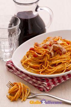 i nostri SPAGHETTI ALL'AMATRICIANA (Spaghetti Amatriciana) Spaghetti All Amatriciana, Pasta Amatriciana, Pasta Alla Carbonara, Pasta Sauce Recipes, Homemade Pasta, Special Recipes, International Recipes, I Love Food, Pasta Dishes