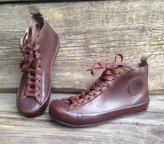 Handmade leather sneakers on leather soles.Light weight and highly comfortable.In the picture are 37 Eu size shoes. Leather Brogues, Leather Sneakers, Men's Shoes, Shoe Boots, High Top Boots, Black Suede Boots, Leather High Tops
