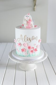 Here's a replica of little Alison's favourite bunny that she carries around. Here's a replica of little Alison's favourite bunny that she carries around. 1st Birthday Cake For Girls, Baby Girl Birthday Cake, Baby Girl Cakes, Birthday Kids, Birthday Parties, Pretty Cakes, Cute Cakes, Torta Princess, Easter Bunny Cake