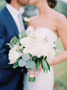 Featured Photographer: Jenna McElroy Photography; wedding bouquet ideas
