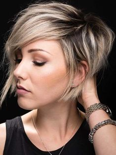 Classic styles of short bob pixie haircuts and hairstyles for women to show off in year 2108. The combination of bob and pixie haircuts is really fantastic and unique to use right now. We have compiled here the awesome trends of bob and pixie hairstyles with modern variations. Choose these styles for attractive looks.