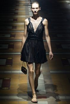 Lanvin Spring 2015 Ready-to-Wear Fashion Show - Karolin Wolter (Next)