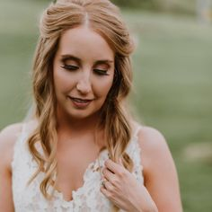 @bitsybridal posted to Instagram: Perfect lashes on our perfect bride Kelli.. . #BitsyBride #JustGotPaiged #halogown Blush By Hayley Paige, Perfect Bride, Halo, Lashes, Game Of Thrones Characters, Gowns, Instagram, Vestidos, Eyelashes