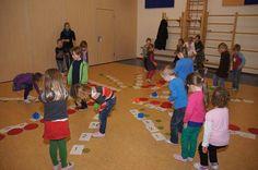 Voor #kleuters ontwikkelde @Dorinda_Born 35 leer spellen . Leren door bewegen.