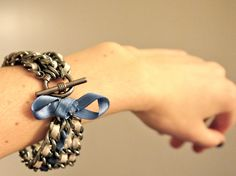 diy ribbon and chain bracelet - I think i would do a daintier version...