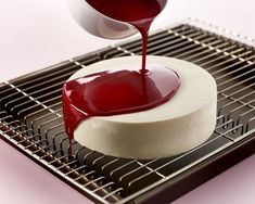 Mirror Glaze Cake, Food Humor, Great Recipes, Panna Cotta, Cake Decorating, Cheesecake, Dessert Recipes, Food And Drink, Sweets