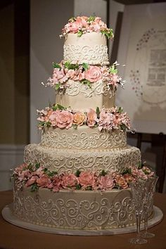 Frosted Art Bakery Photos, Wedding Cake Pictures, Texas - Dallas, Ft. Worth, Wichita Falls, and surrounding areas