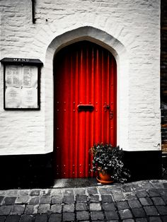 Red door against white #myobsessionwithreddoors