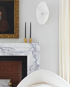 Appreciating the design details in this Hamptons home by @carminarothinteriors - See our full collection of brass candlestick holders like the Serif, shown here.   #remainslighting #candlestickcollection #candlestick #candleholder #bass #carminarothinteriors #interiordesign #contemporary #craftsmanship #newyork #hamptons #design #detailsmatter