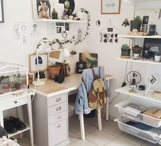 Home Decoration Ideas With Paper .Home Decoration Ideas With Paper Home Office Inspiration, Decoration Inspiration, Decor Ideas, Bedroom Inspo, Bedroom Decor, Bedroom Ideas, Aesthetic Bedroom, Room Shelves, Home And Deco