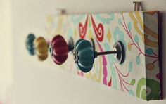 12 Creative DIY Coat Racks A round-up of some really great coat rack projects with lots of tutorials! Including this artsy fabric covered coat rack project from natalia rosin. Diy Coat Rack, Coat Racks, Diy Rack, Coat Hanger, Ideas Para Organizar, Deco Design, Crafty Craft, Crafting, Decorating On A Budget
