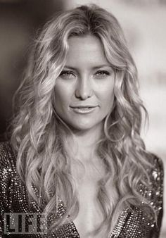 I've been trying to get my hair to look like this ever since I saw How to Lose a Guy in 10 Days. Love those waves.