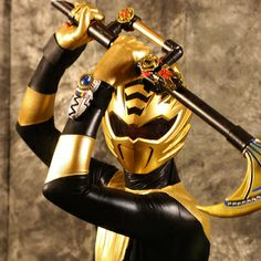 Power Rangers Jungle Fury Gold Ranger. I never heard of this but this is amazing