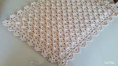 Filet Crochet, Crochet Motif, Crochet Doilies, Crochet Stitches, Crochet Hooks, Crochet Patterns, Yarn Ball, Lion Brand Yarn, Crochet Tablecloth