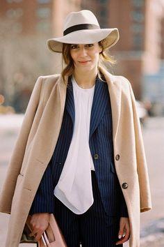 Outfit Inspiration: The Oversize Coat (because im addicted) Fashion Week, Womens Fashion, Fashion Trends, Paris Fashion, Camel Coat Outfit, Outfits Mujer, Oversized Coat, Popular Dresses, Fasion
