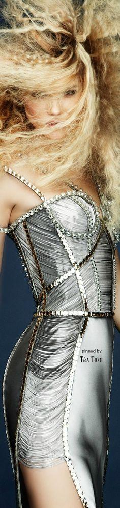 ❇︎Téa Tosh❇︎Atelier, Versace, Spring 2010