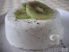 Snadný recept na domácí smetanovou zmrzlinu z kiwi. Ice Ice Baby, Gelato, Ham, Kiwi, Panna Cotta, Smoothie, Goodies, Frozen, Food And Drink