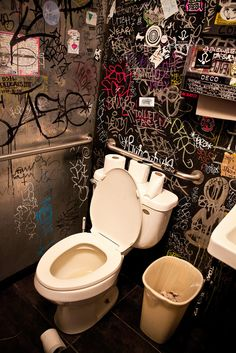 Chicago  Yes...I someday for a part of my life would wish to have a graffiti bathroom :)